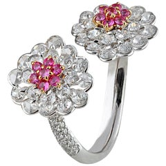 Studio Rêves Diamonds and Pink Sapphire Cluster Ring in 18 Karat Gold