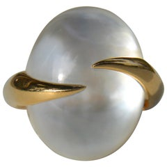 Vintage Tito Pedrini Quartz Mother of Pearl Doublet 14 Karat Gold Cocktail Ring