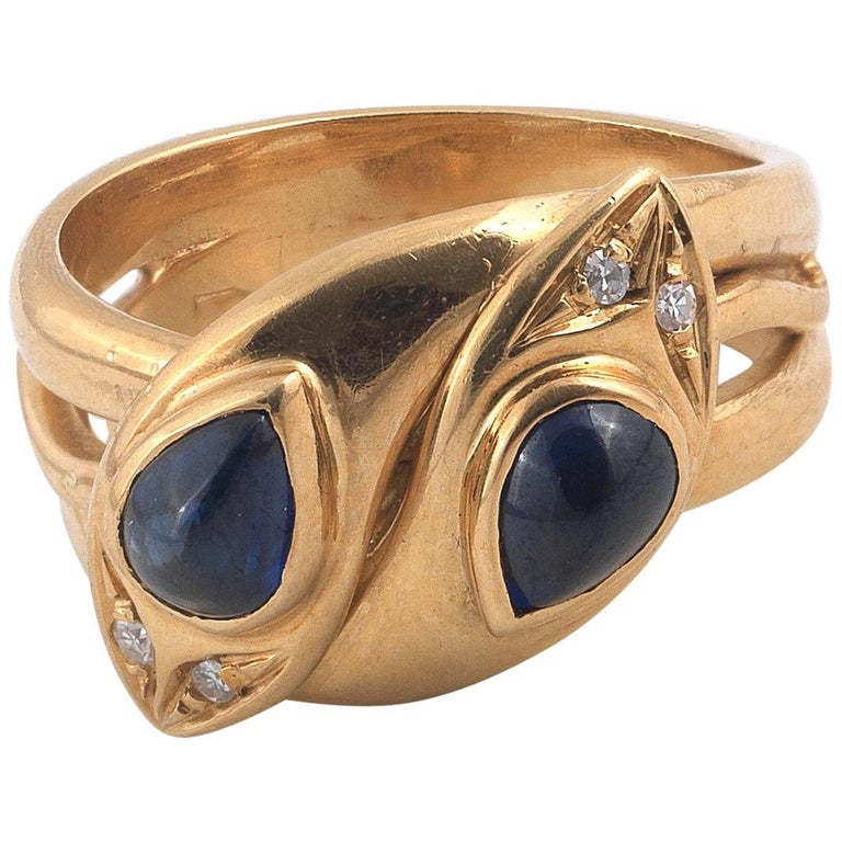 18 Carat Yellow Gold Cabochon Sapphire Snake Ring For Sale