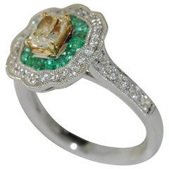 18 Karat Gold Diamond and Emerald Ladies Ring