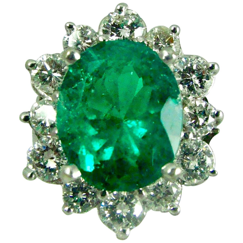 Fine Natural Colombian Emerald Diamond Ring 18 Karat White Gold