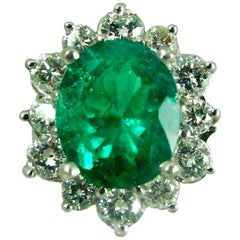 Fine Natural Colombian Emerald Diamond Ring 18 Karat White Gold