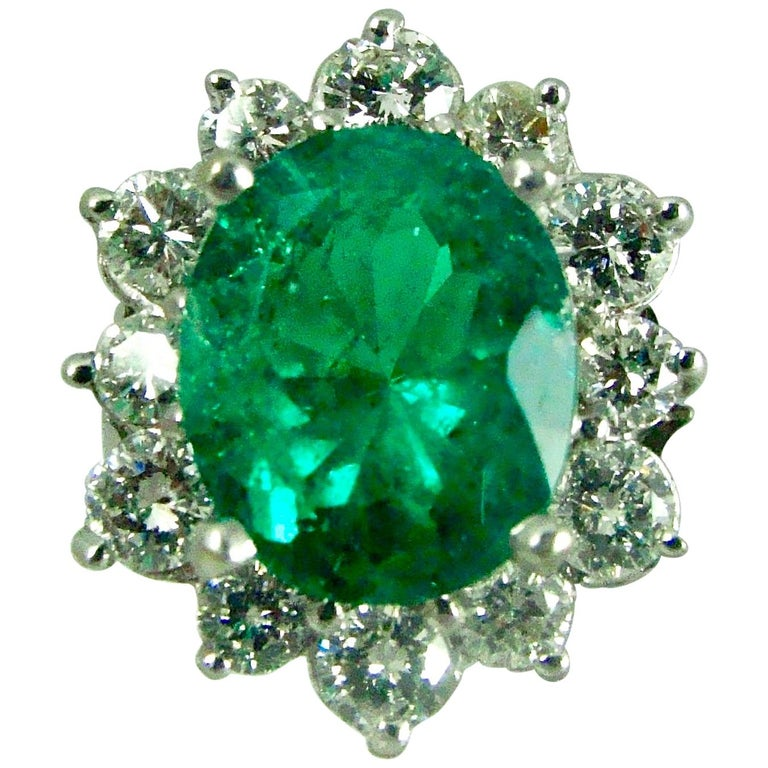 Fine Natural Colombian Emerald Diamond Ring 18 Karat White Gold For Sale