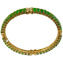 9 Carat Oval Emeralds and Diamonds 18 Karat Gold 23 Grams Bangle /Bracelet