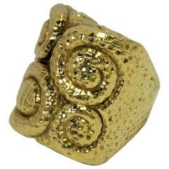 David Webb Swirl Ring Hammered 18 Karat Yellow Gold