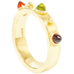 Dubini Punta di Diamante Cabochon Stone Peridot Garnet Band Yellow Gold Ring