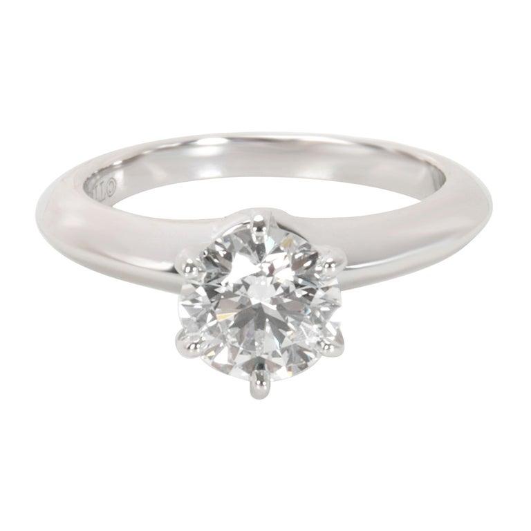 c6c4c275ea9 Tiffany   Co. Diamond Solitaire Engagement Ring in Platinum  F VVS1  0.93.  In excellent condition ...