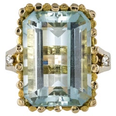Modernist 1970s 14.20 Carat Aquamarine Diamonds Yellow Gold Ring
