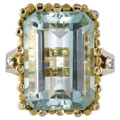 Modernist 1970s 14.20 Carat Aquamarine Diamonds Yellow Gold Ring
