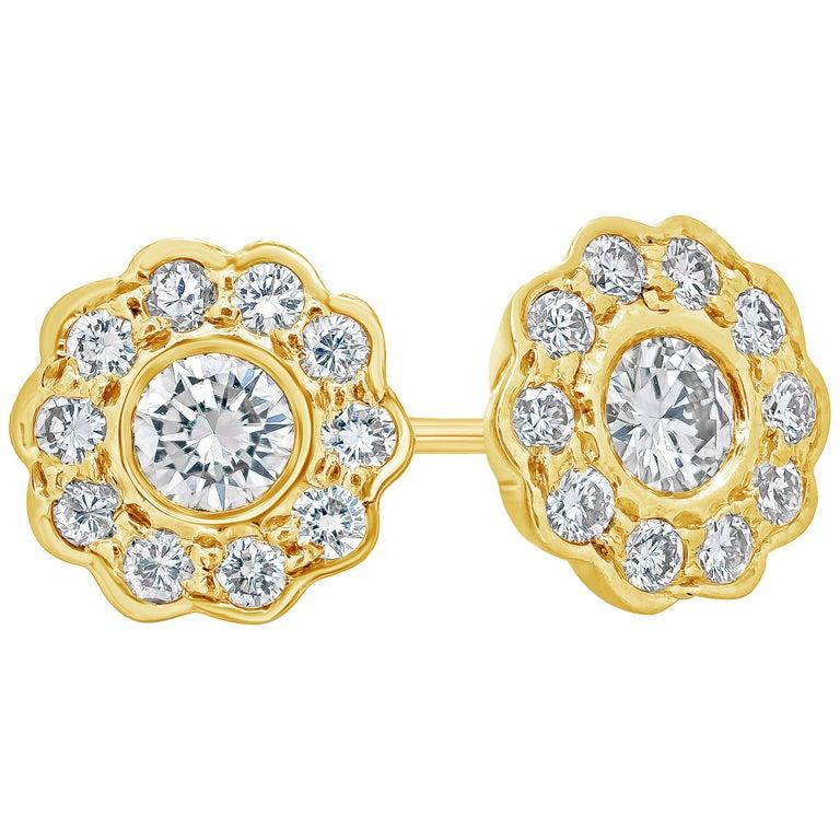 Round Diamond Yellow Gold Flower Earrings For Sale