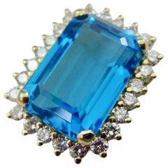 Large 18 Karat Gold 11.25 Carat Blue Topaz VS Diamond Halo Necklace Pendant