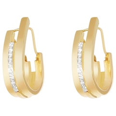 Curve Earrings Diamonds Yellow Gold in 18 Karat
