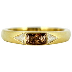 18 Karat Gold Ladies Ring with Brown and Colorless Diamonds, circa 1970s