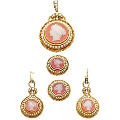 French Hardstone Cameo Natural Pearl Yellow Gold Earring Pendant Suite