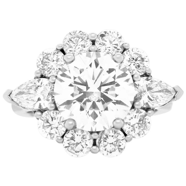 GIA Certified 3.02 Carat Round Diamond Flower Ring For Sale