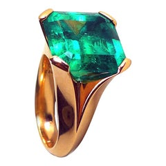 12.27 Carat Natural Colombian Emerald Rose Gold Cocktail Ring, Certified