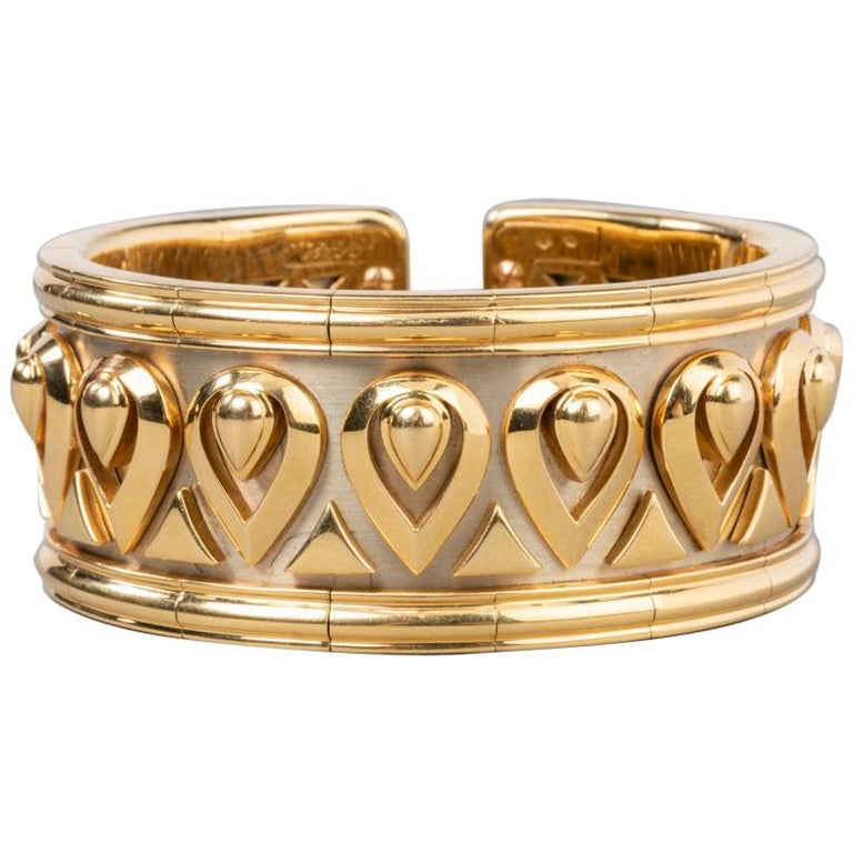 7b3d6a24474 Cartier Tanjore Fashion Gold Bracelet For Sale at 1stdibs
