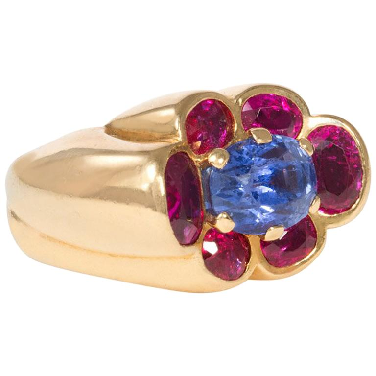 Cartier 1940s Gold and Two-Color Sapphire Ring of Florette Design For Sale