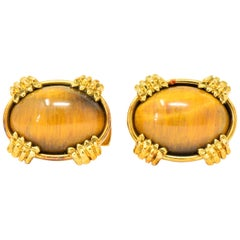 Vintage Tiger's Eye Cabochon 18 Karat Gold Clawed Men's Cufflinks