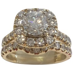14 Karat Yellow Gold Diamond Wedding Set 1.50 Carat Total Diamond Weight