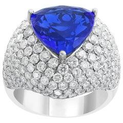 5.5 Carat Trillion Cut Tanzanite and 6 Carat Diamonds Ring 18 Karat White Gold
