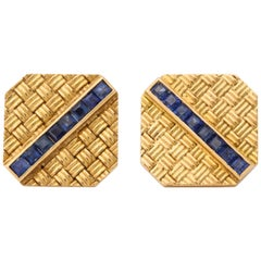 1950s Basket Weave Design Calibre Cut Sapphire with Gold Flip Up Cufflinks