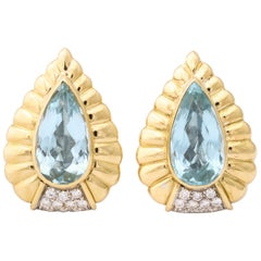 1960s Pear Shaped Aquamarine with Diamonds Ridged Gold Earclips with Posts
