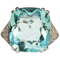1960s Aquamarine and Diamond 18 Carat White Gold Ring