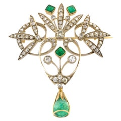 18 Karat Gold Early 20th Century Emeralds Diamonds Brooch