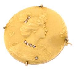 Late 19th Century Art Nouveau Matte 18 Karat Gold Diamonds Brooch
