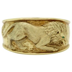 Estate 14 Karat Yellow Gold Lion Emerald Cuff Bangle Bracelet