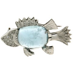 Fish 18 Karat White Gold Aquamarine and Diamonds Brooch