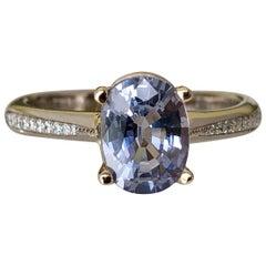 1.98 Carat Estate Lilac Sapphire Solitaire Engagement Ring 18 Karat Gold
