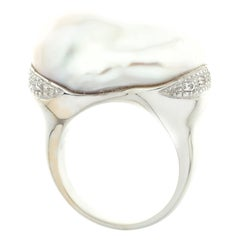 Large Pearl and Diamond Cocktail Ring in 18 Karat White Gold Photo