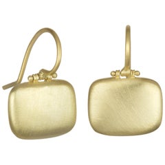 Faye Kim 18 Karat Matte Gold Hinged Chiclet Earrings