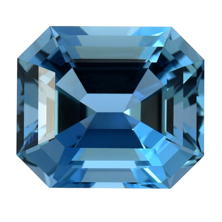 Aquamarine Emerald Cut India 14.34 Carat Ultra Fine Quality For Sale
