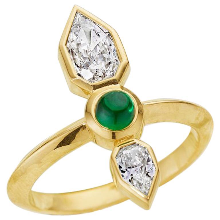 GIA Empress Cut Diamond and Tsavorite 18 Karat Gold Engagement Ring For Sale