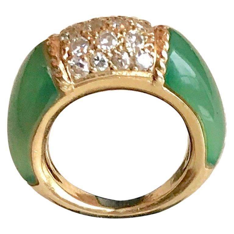 Van Cleef & Arpels Philippine Ring, 18 Carat Gold Diamonds and Chrysoprase For Sale