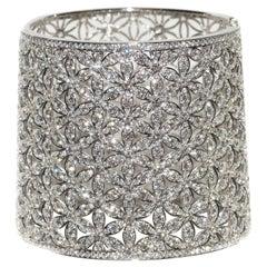 18 Karat Tapered 20.51 Carat Diamond Cuff Open Flower Design Bracelet