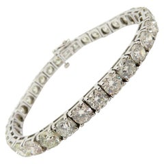 Estate 18 Karat White Gold Round Diamond Tennis Bracelet