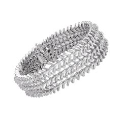 Studio Rêves 18 Karat White Gold Taper Baguette Diamond Tennis Bracelet