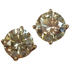 0.80 Carat Round Brilliant Cut Diamond 14 Carat Yellow Gold Stud Earrings