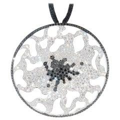 18 Karat White Gold Colorless and Black Diamond Maggioro Pendant
