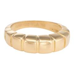 Vintage Van Cleef & Arpels Ring 18 Karat Yellow Gold Estate Fine Jewelry