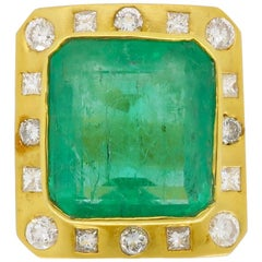 GIA Colombian Emerald and Diamond Cocktail Ring in 18 Karat Yellow Gold