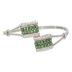 White Round Brilliant Diamond And Round Brilliant Tsavorite Flexible Bracelet.