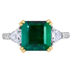 Emilio Jewelry Certified 5.14 Carat Platinum Emerald Diamond Ring