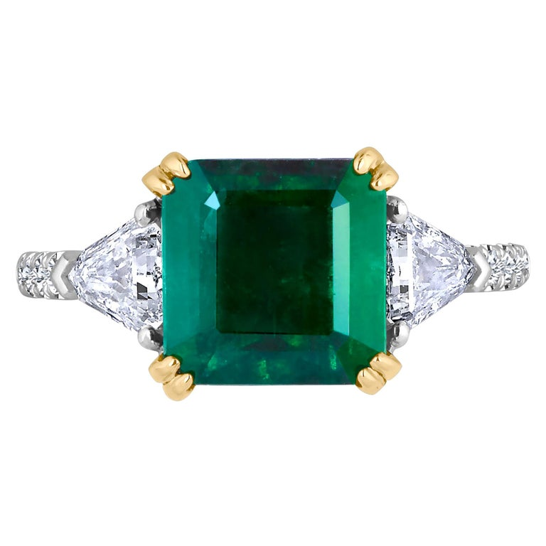 Emilio Jewelry Certified 5.14 Carat Platinum Emerald Diamond Ring For Sale