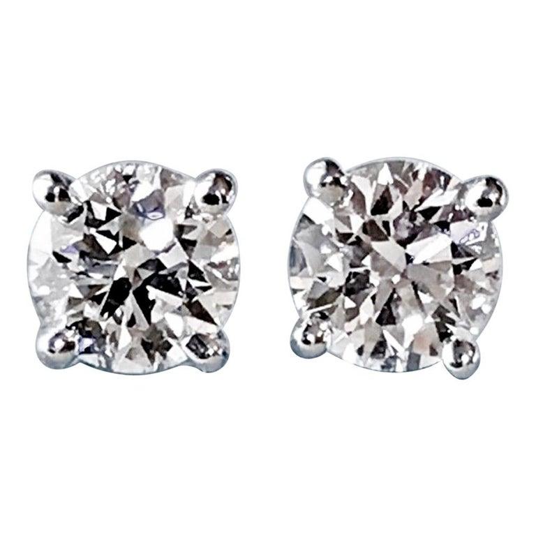 Diamond Platinum Stud Earrings 0.75 Carat F-VS2 For Sale