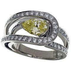 Fred 1.05 Carat Fancy Yellow Diamond Platinum Love Light Ring US 6